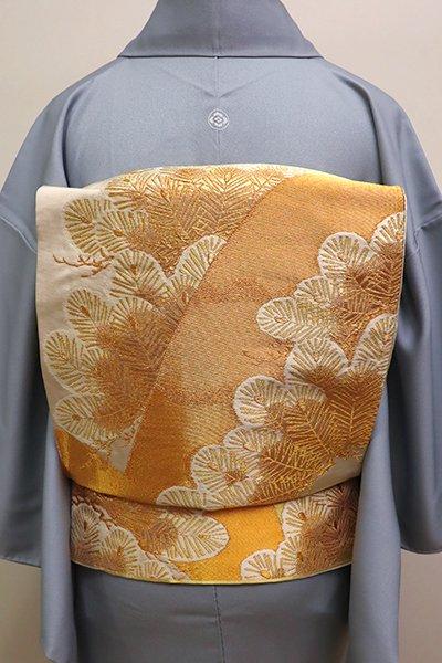 銀座【L-4330】西陣 河合美術織物製 袋帯 薄卵色×金色 松の図(落款入)
