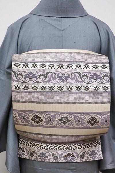 銀座【L-4363】袋帯 練色×墨色 横段に唐花の図