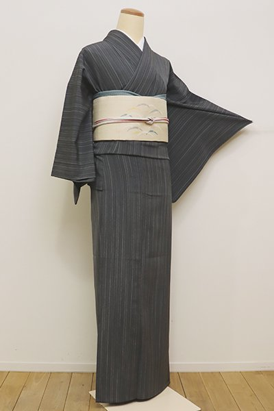 銀座【A-2762】(S)単衣 本塩沢 やまだ織 墨色系 細縞(証紙付)