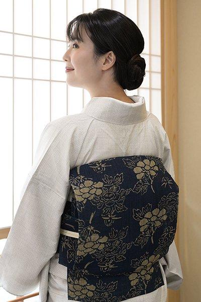 銀座【帯2978】しな布 八寸名古屋帯 藍型染 牡丹文 (端布付)