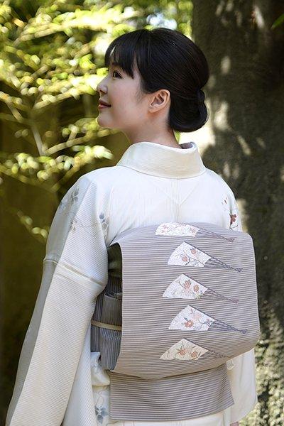 銀座【帯3009】西陣 河村織物製 絽綴八寸名古屋帯 鳩羽鼠色「百扇」(証紙付)