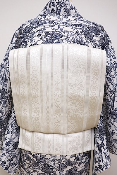 銀座【K-6070】本場筑前博多織 紗 八寸名古屋帯 白色 縞に唐草文(証紙付・新品)