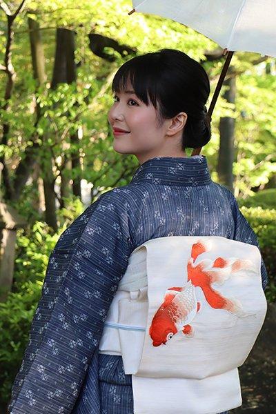 銀座【帯3018】粗紗地 刺繍 夏名古屋帯 練色 金魚の図