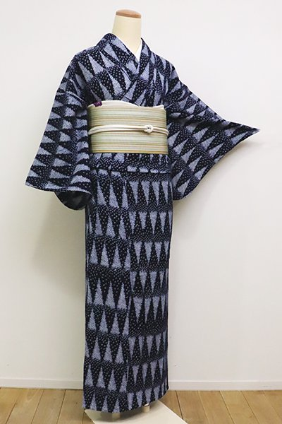 WEB限定【D-2284】(S)木綿 絞り染め 浴衣 濃藍色 幾何文