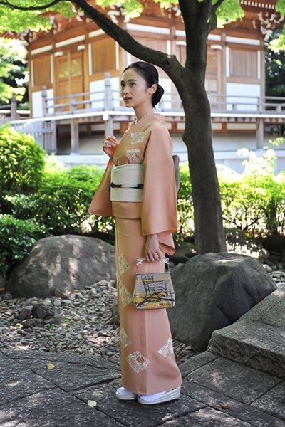 銀座【着物2550】単衣訪問着 水柿色 花の菱文 (しつけ付)