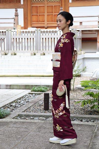 銀座【着物2630】大彦製 繍一ッ紋訪問着 葡萄色 折々の花図