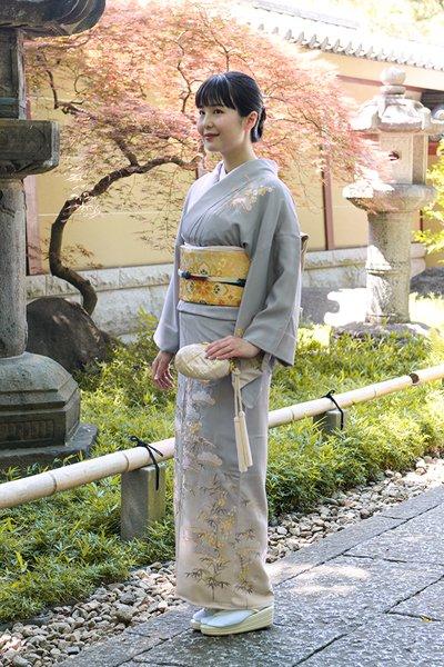 銀座【着物2670】蘇州刺繍 訪問着 薄色 松竹梅の図