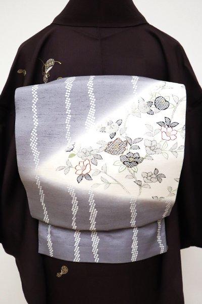 銀座【L-4905】紬地 洒落袋帯 錫色 縞に椿や橘の図