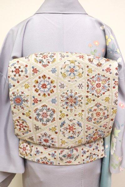 銀座【L-4914】相良刺繍 袋帯 白鼠色 籠目に華文