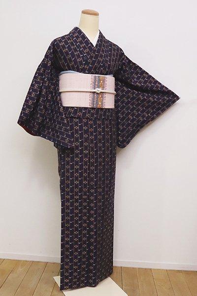 銀座【A-3051】(S・細め)花織 着物 濃鼠色 縞に幾何文