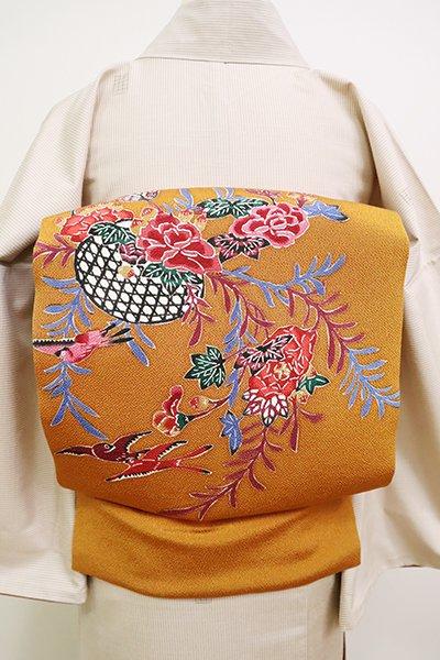 銀座【K-6646】縮緬地 紅型 名古屋帯 黄茶色 花籠に鳥の図(落款入)