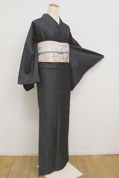 銀座【A-3057】(広め)浮き織り 着物 墨色 横段に幾何文