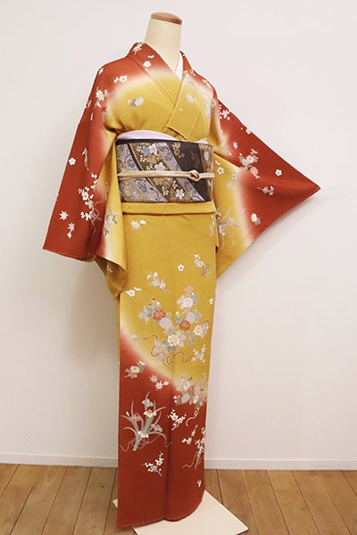【B-2556】縮緬地 訪問着 山吹色 四季花の図(落款入)