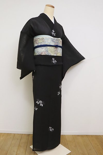 あおき【D-2554】紗紬地 絞り染め 小紋 黒色 蟹の図