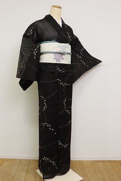 銀座【D-2559】(L・広め)紗紬 小紋 黒色 めだかの図