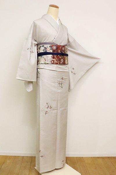 あおき【D-2592】(広め)単衣 御召地 刺繍 小紋 絹鼠色 葡萄唐草文(反端付)