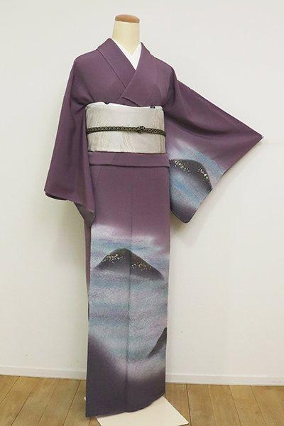 あおき【B-2668】(S・細め)付下げ 似せ紫色 山々の図