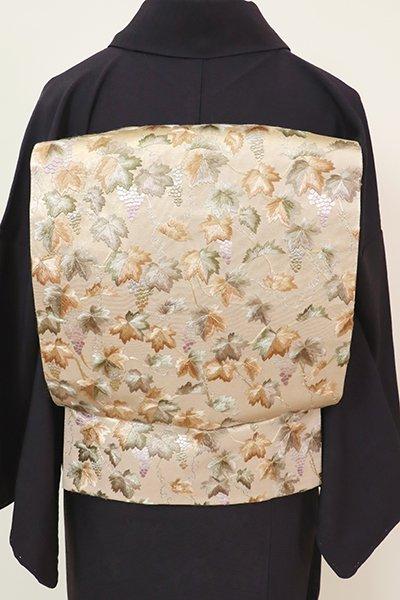銀座【L-5244】刺繍 袋帯 暗い薄卵色 葡萄の図