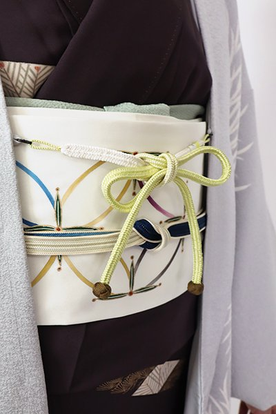 【G-1775】京都衿秀 羽織紐 冠組 枯草色×白色 暈かし