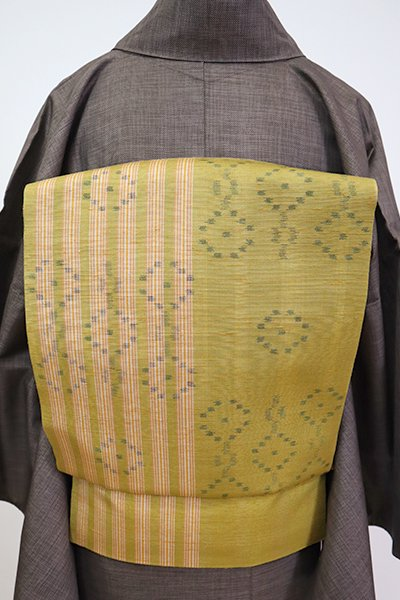 銀座【K-7164】紬地 織名古屋帯 暗い緑黄色 竪縞に抽象文
