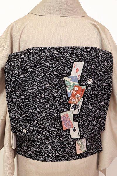 銀座【K-7179】織名古屋帯 黒色 のし袋とトランプの図