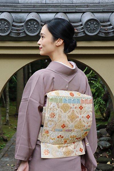 銀座【帯3636】西陣 藤原製 袋帯 練色 七宝や臥蝶 段替わり