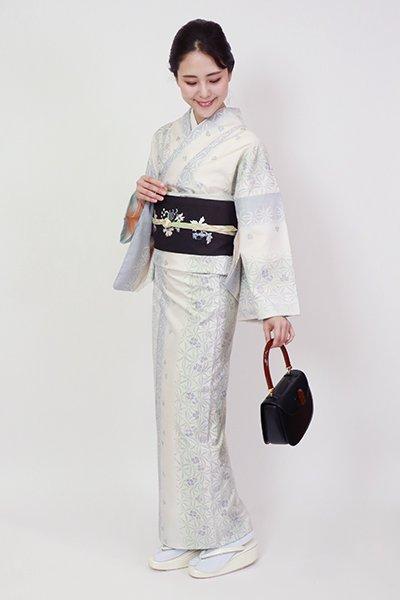 銀座【A-3263】白大島紬 生成色 装飾花文