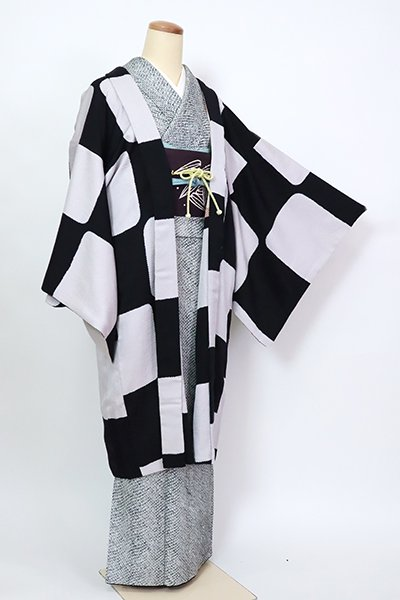 銀座【E-1358】羽織 黒色×素色 抽象文(羽織紐付)