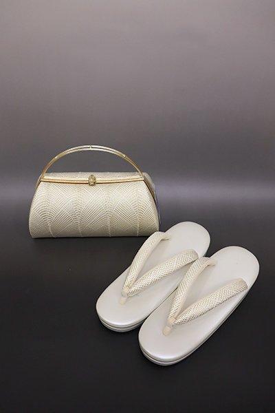 【G-1229】京都 衿秀製 和想庵 フォーマル草履・バッグセット 白色×金色(新品)