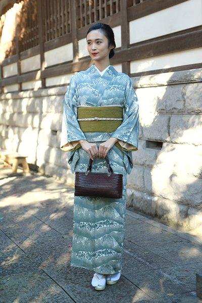 銀座【着物3079】松原良夫作 藍形染 付下げ 銘「春かすみ」(反端 布札付)
