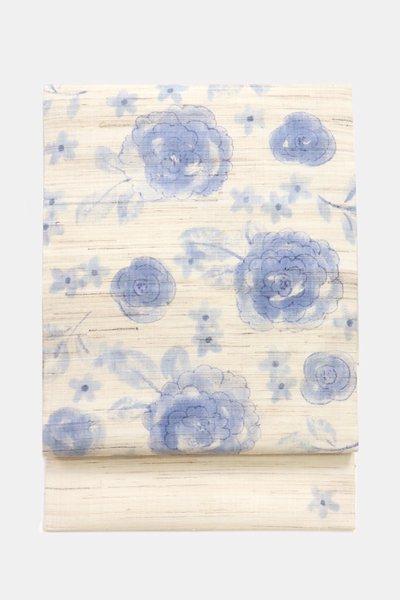 銀座【帯3895】山本由季作 麻地 染名古屋帯 練色 花の図