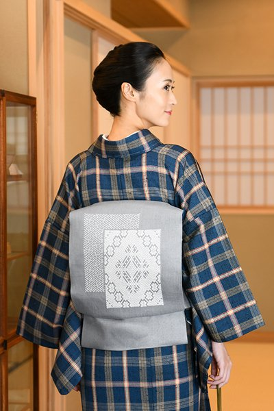 銀座【帯3989】津軽こぎん刺し 名古屋帯 薄鼠色×白糸