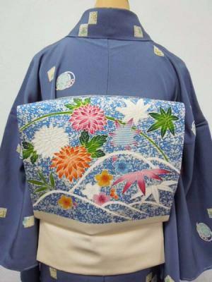 WEB限定【K-1128】塩瀬地染名古屋帯 練色 菊花に楓、梅竹文