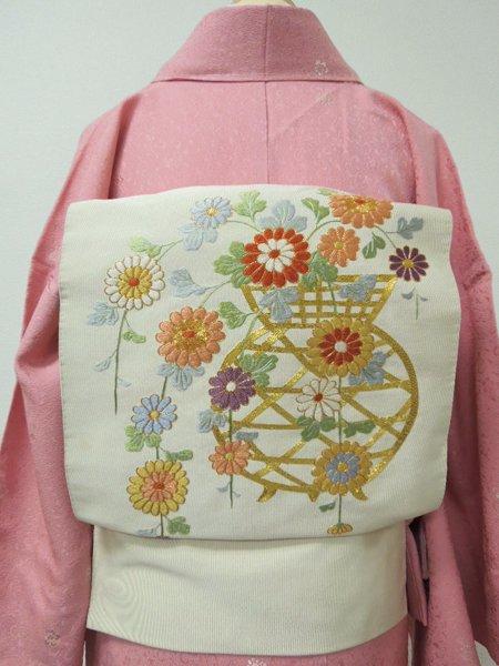WEB限定【K-1836】名古屋帯 練色地 刺繍による小菊と籠