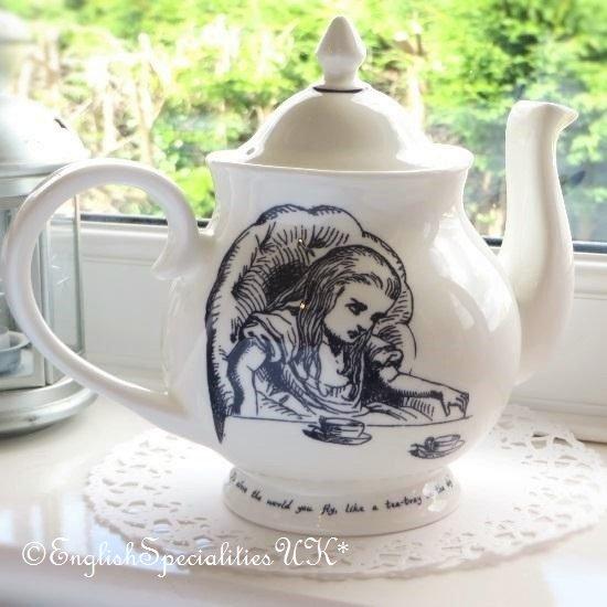 【Whittard】ALICE IN WONDERLAND Tea Party Teapotウィタード 不思議の国のアリス ティーパーティーティーポッ…