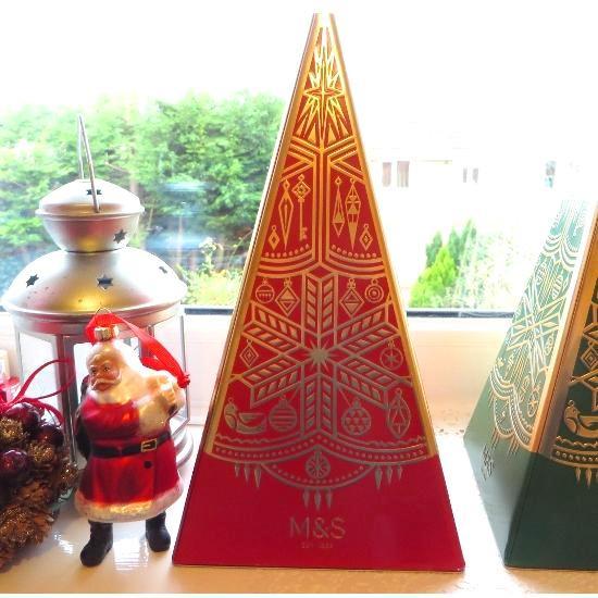 ★Sale【M&S】RED Xmas Musical Tree Tin - Mini Shortbread マークス&スペンサークリスマス ミュージカルツリー缶 ツリーショートブレッド (…