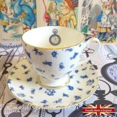 【MRS MOORE】ALICE Chintz WHITE Cup & Saucer<br>ミセスムーア 不思議の国のアリス チンツ ホワイト カップ&ソーサー