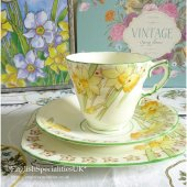 <img class='new_mark_img1' src='https://img.shop-pro.jp/img/new/icons47.gif' style='border:none;display:inline;margin:0px;padding:0px;width:auto;' />【Sutherland China】VINTAGE Daffodil Trio<br>サザーランドチャイナ  ダファデルトリオ(1936-1941年)*ヴィンテージ*