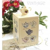 <img class='new_mark_img1' src='https://img.shop-pro.jp/img/new/icons47.gif' style='border:none;display:inline;margin:0px;padding:0px;width:auto;' />【Ringtons】Vintage Teapot Tea Caddy<BR>リントンズ ヘリテージコレクション ヴィンテージ ティーポット柄ティーキャディー(No.3)