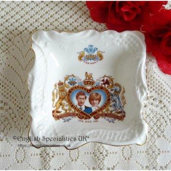 Charles & Diana Royal Wedding Trinket Dish 1981<br> プリンスチャールズ&レディダイアナ ロイヤルウエディング記念 トリンケットディッシュ