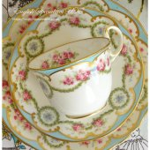 <img class='new_mark_img1' src='https://img.shop-pro.jp/img/new/icons47.gif' style='border:none;display:inline;margin:0px;padding:0px;width:auto;' />【AYNSLEY】Blue Garland Teacup Trio<BR>エインズレイ ブルーガーランド ティーカップトリオ(アンティーク)