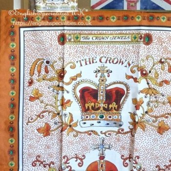 <img class='new_mark_img1' src='https://img.shop-pro.jp/img/new/icons15.gif' style='border:none;display:inline;margin:0px;padding:0px;width:auto;' />【Emma Bridgewater】The Crown Jewels Tea Towel<br>エマ・ブリッジウォーター クラウンジュエル ティータオル(英国製)