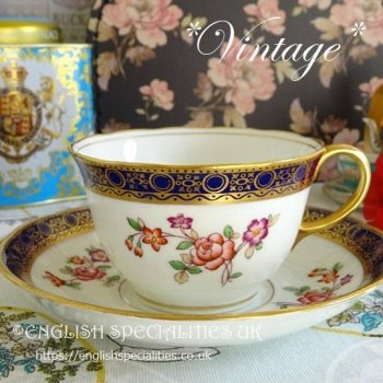 <img class='new_mark_img1' src='https://img.shop-pro.jp/img/new/icons15.gif' style='border:none;display:inline;margin:0px;padding:0px;width:auto;' />【Adderley】 Lowestoft Cup & Saucer<br>*ヴィンテージ* アダレイ ローストフト カップ&ソーサー (1926)