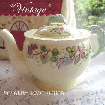 【New Hall Hanley】 Vintage Teapot <br>ニューホール ハンレイ *ヴィンテージ* ティーポット (1951-56年)