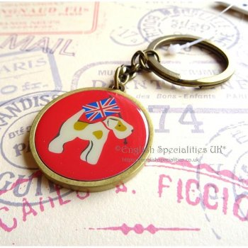 <img class='new_mark_img1' src='https://img.shop-pro.jp/img/new/icons20.gif' style='border:none;display:inline;margin:0px;padding:0px;width:auto;' />★Sale【Cath Kidston】 Royal Stan Enamel Keyring<br>キャスキッドソン ロイヤルスタン エナメル キーリング