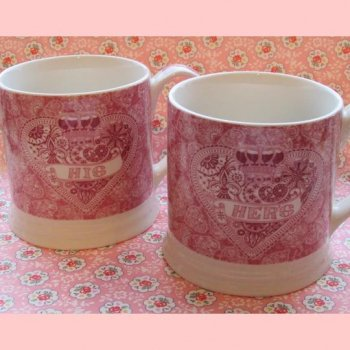 【QUEENS】Made With Love Set of 2 mugs <br>クイーンズ メイド・ウイズ・ラブ マグカップ(2個セット)