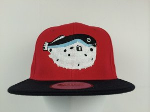 <img class='new_mark_img1' src='//img.shop-pro.jp/img/new/icons24.gif' style='border:none;display:inline;margin:0px;padding:0px;width:auto;' />SUSTOS FLIP フグ Snapback Cap