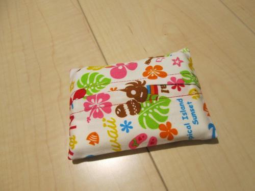 普通サイズポケットティッシュカバー9cm×11.5cm【白地にハワイアンいっぱい柄綿】