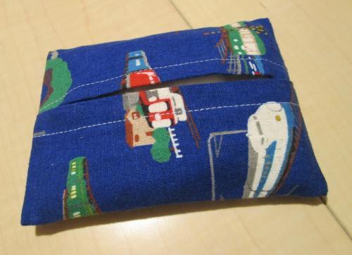 普通サイズポケットティッシュカバー9cm×12cm【紺色地に電車柄綿】