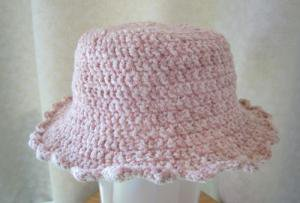 子供用手編みの髪通し穴あり夏帽子ピンク2〜4歳